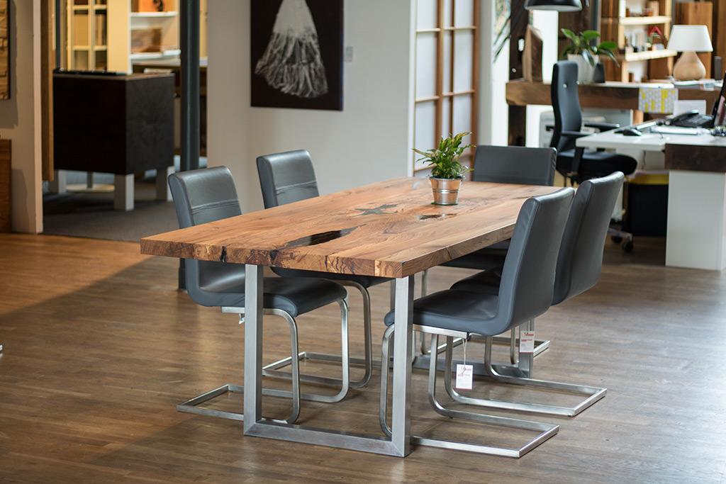 Elegant Tische, Stühle, Esstischgarnitur Oder Eckbank In Holz Vom Schreiner Im  Eichenhaus In Laufach Bei