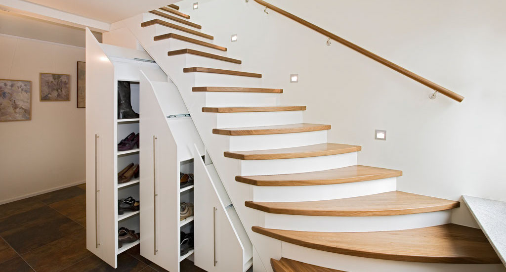 Treppe aus holz metall qm ausstellung in - Betontreppe kaufen ...