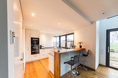 k che qm schreiner ausstellung in aschaffenburg. Black Bedroom Furniture Sets. Home Design Ideas