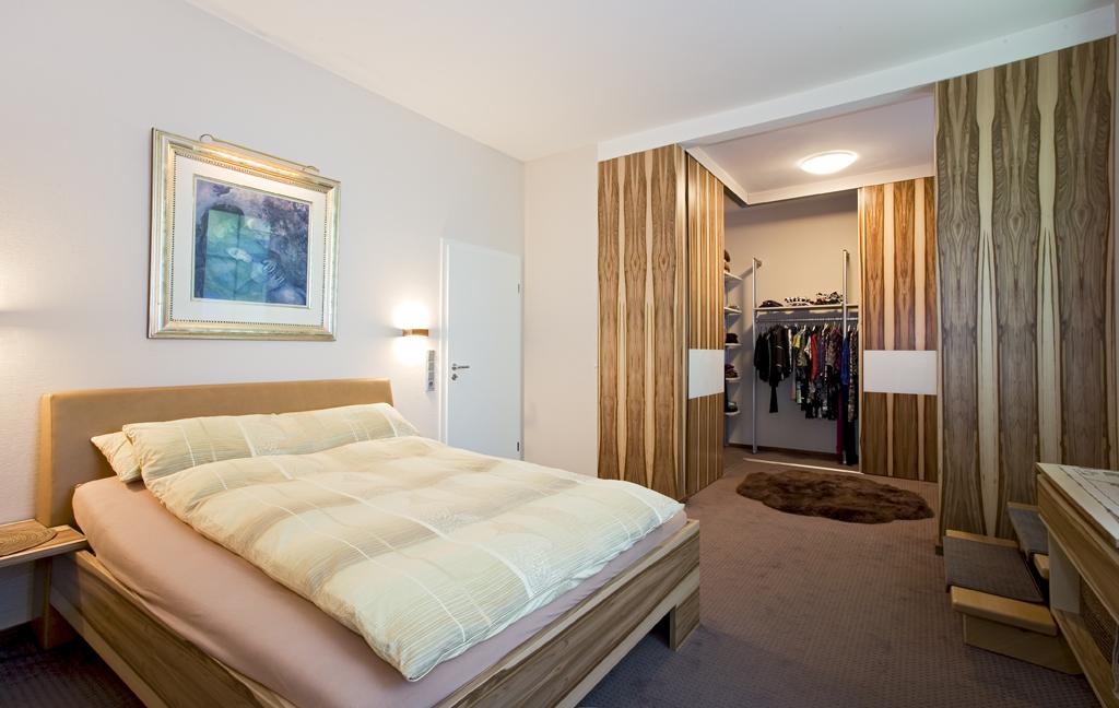kleiderschrank nach ma von der schreinerei in aschaffenburg. Black Bedroom Furniture Sets. Home Design Ideas