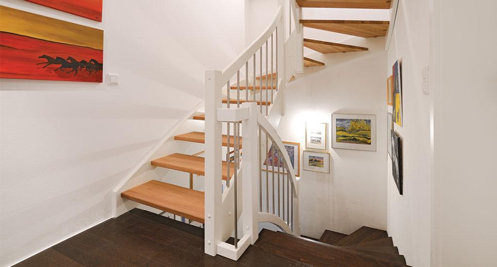 Treppe Holz Weiß treppe aus holz & metall - 1.000 qm ausstellung in aschaffenburg